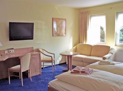 gästezimmer im hotel neumanns dampfschiff - in sörnewitz zwischen meißen und dresden